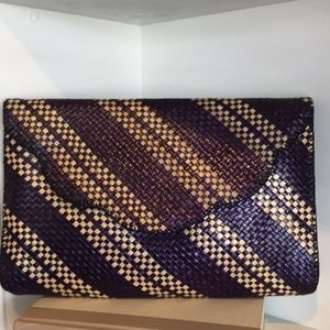 Handbags - New raffia clutch